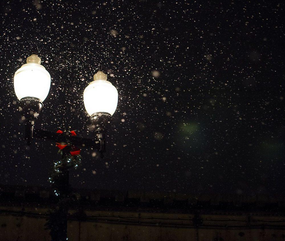 street-lamp-336556_1280