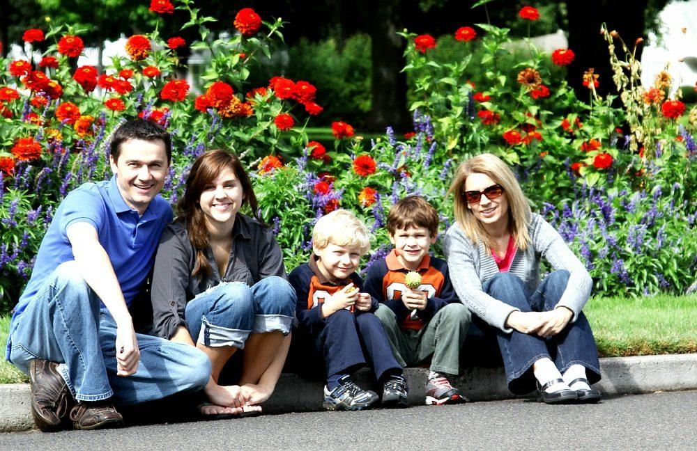 family-286229_1280