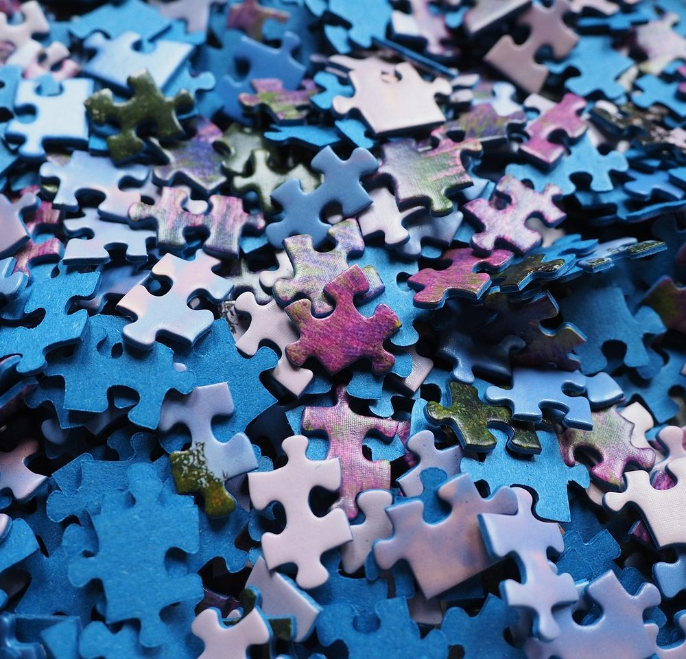 pieces-of-the-puzzle-592780_1280